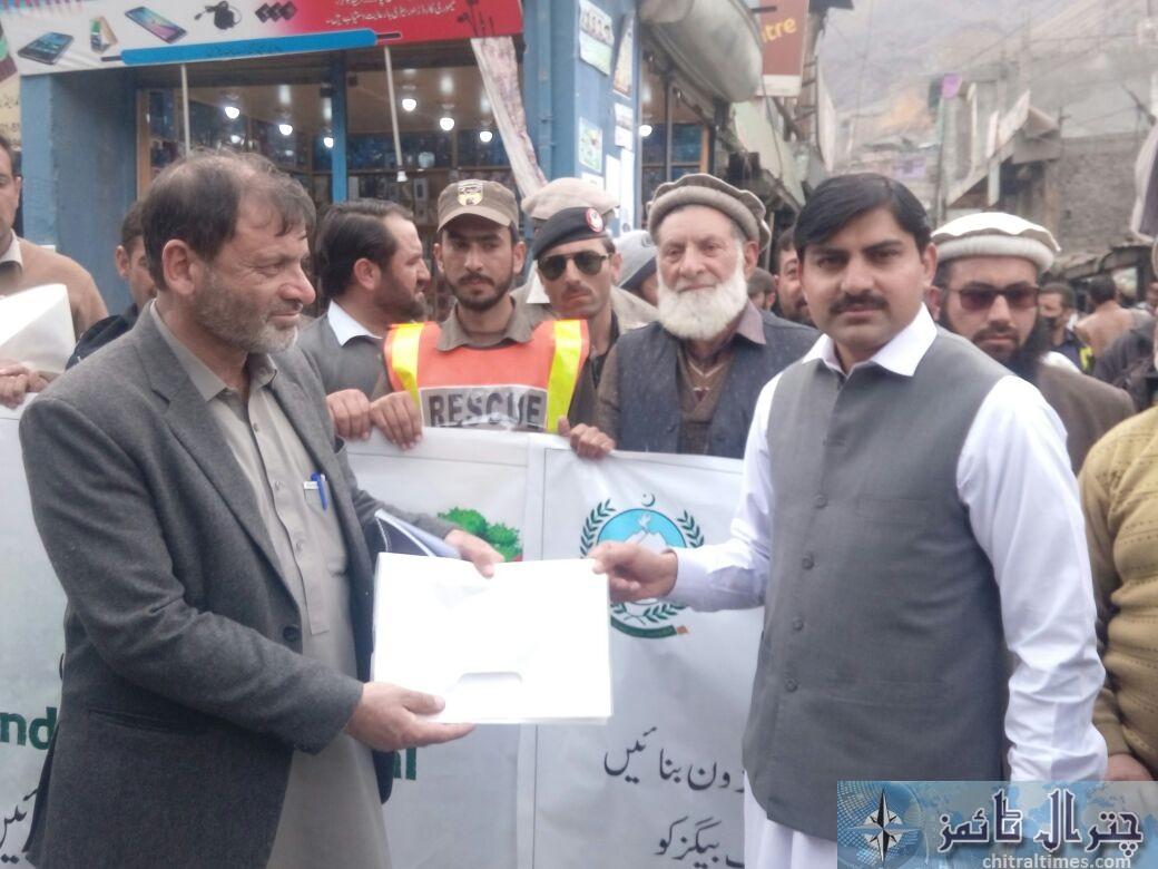 awarness rally against polythene bags lead by AC sajid nawaz chitral 1