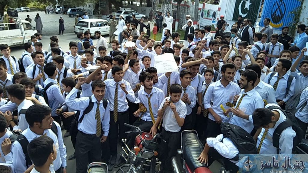 Students and teachers of the langland school and college chitral protest against Miss carry 3