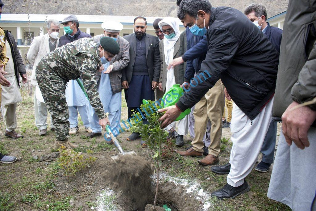 Lieutenant Colonel Mohammad Ilyas Commander 141 Wing Chitral Scouts planting a tree scaled