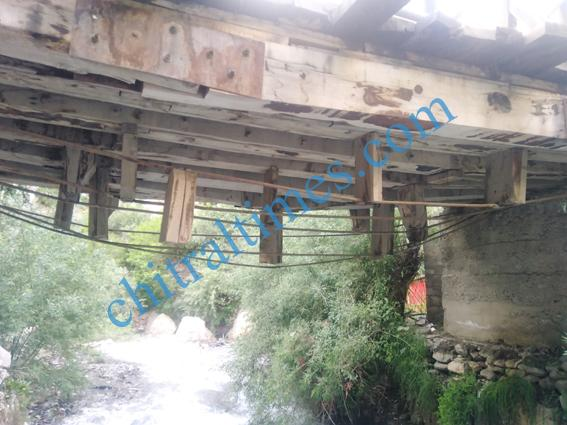 chitraltimes garamchashma bridges damages 4